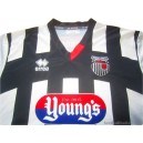 2015/2016 Grimsby Town Home